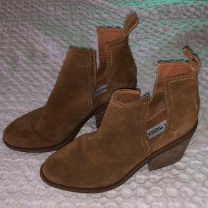 Steve Madden Chestnut Sharini Boots Size 9